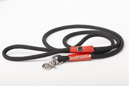 Black With Red Lead